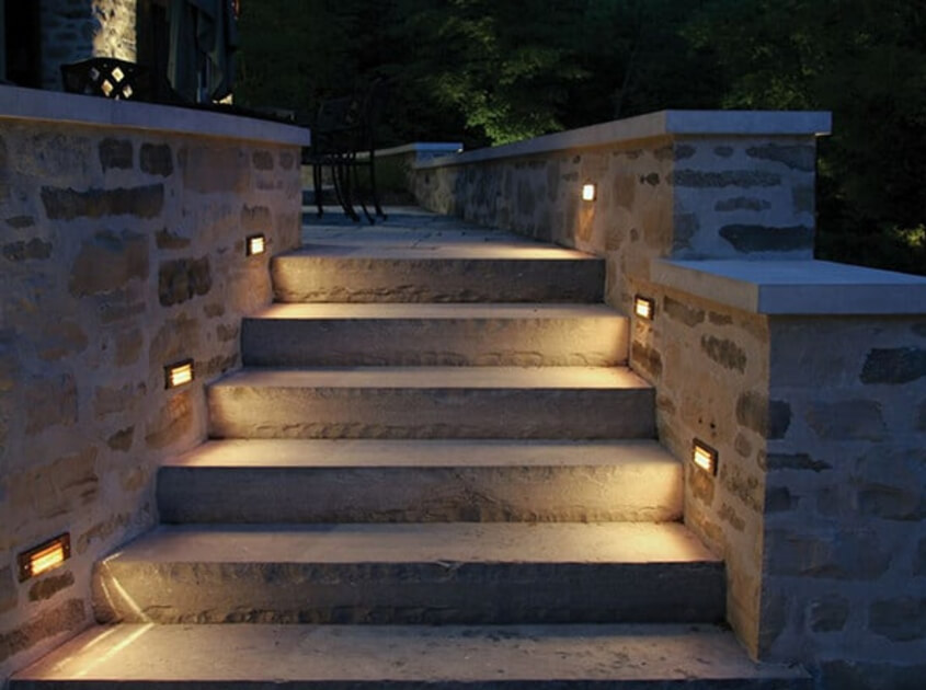 lawn-stair-lights-outdoor-in-orange-county-ca