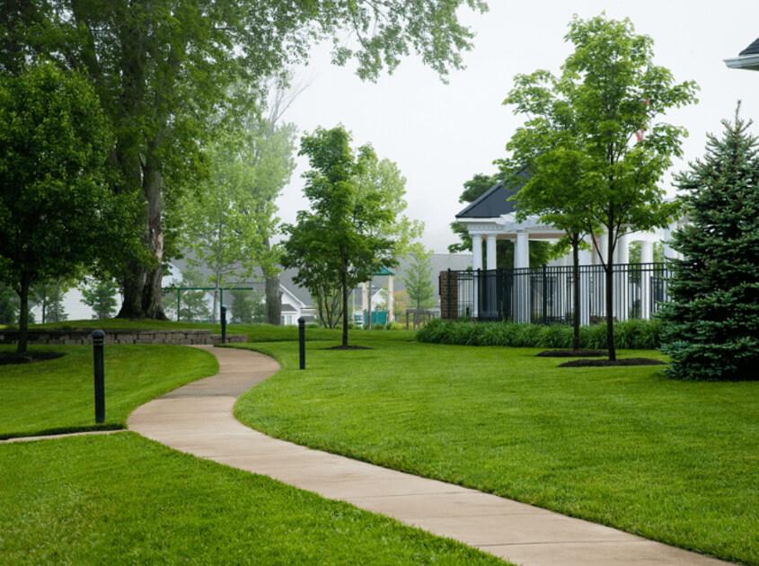 outdoor-landscape-lawn-sprinkler-in-lake-elsinore-ca